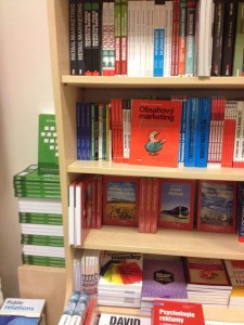 Knihovna s knihami